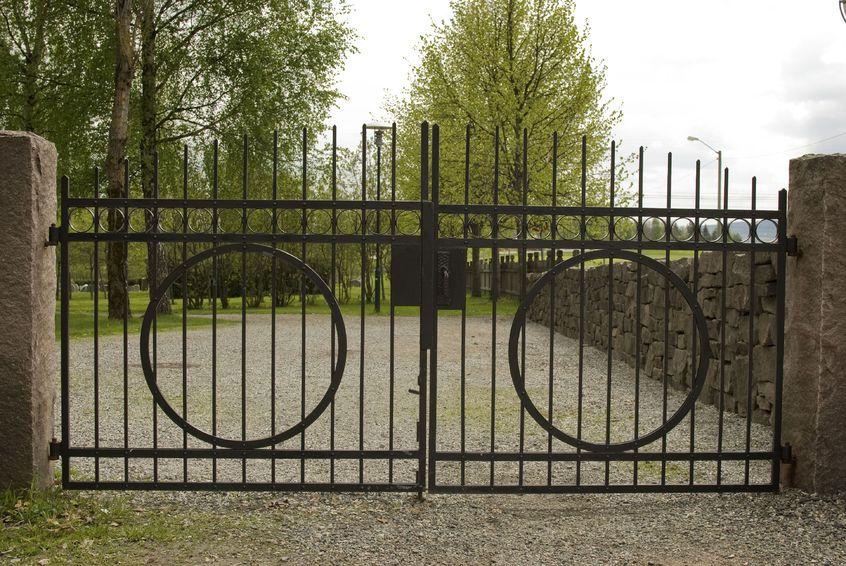 Kovácsolt kerítés